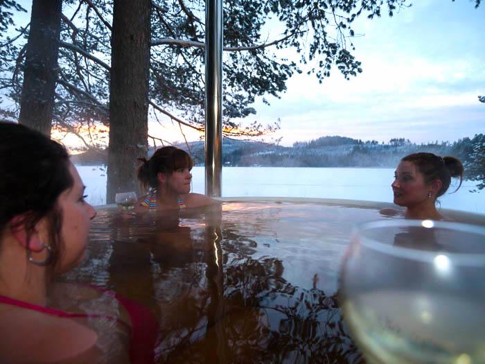 Ett avkopplande bad i Skärgårdstunnan. Foto Klockars Hällesjö