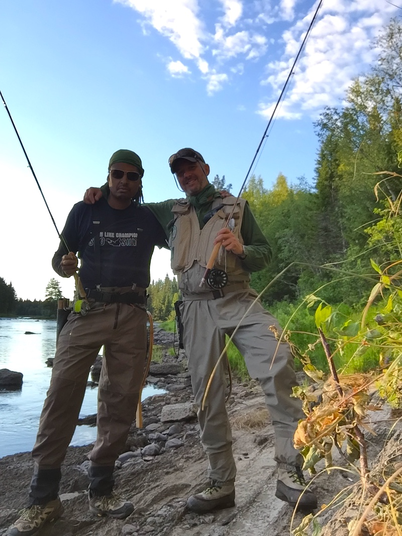 I gott fiskesällskap på Drömfisketuren. Foto Mikael Julander