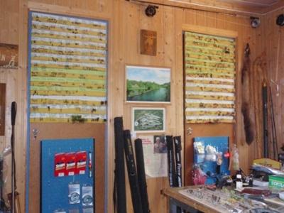 Försäljning flugor. Foto Ammeråns Fiskecamp