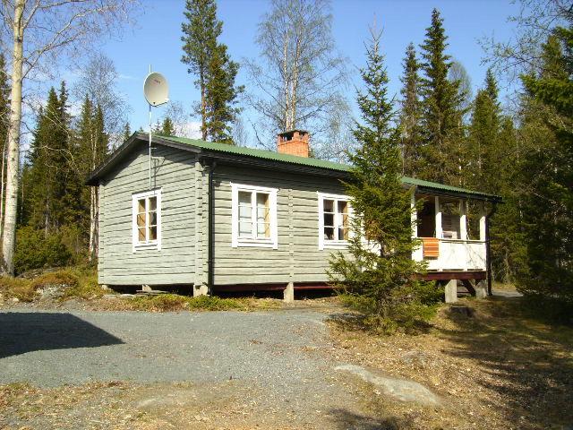 Lilla timmerstugan hos Flottargården i Valsjöbyn