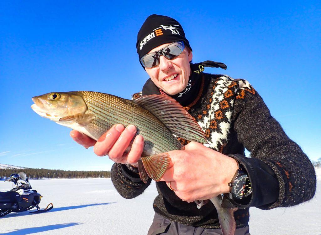 Lyckat harrfiske i Tännäs. Foto Anders Lundin