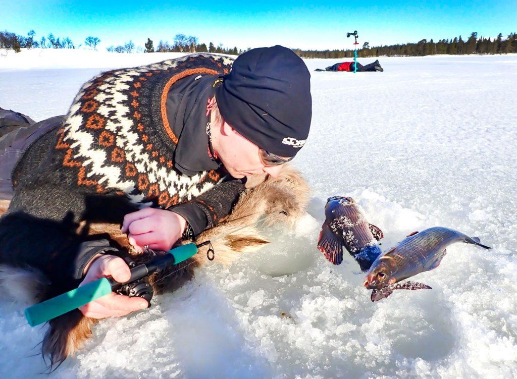 Pimpelfisket - det bästa fisket. Foto Anders Lundin